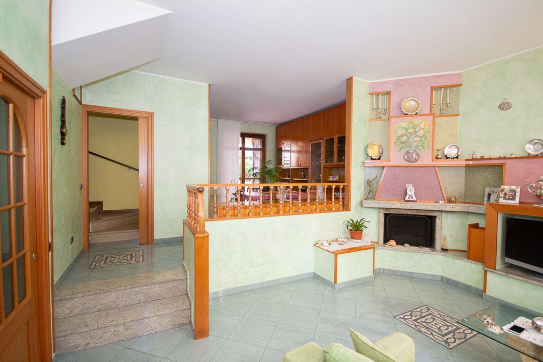 Agenzie Immobiliari Cologno Monzese villa a schiera cologno monzese - centro, affitto e vendita