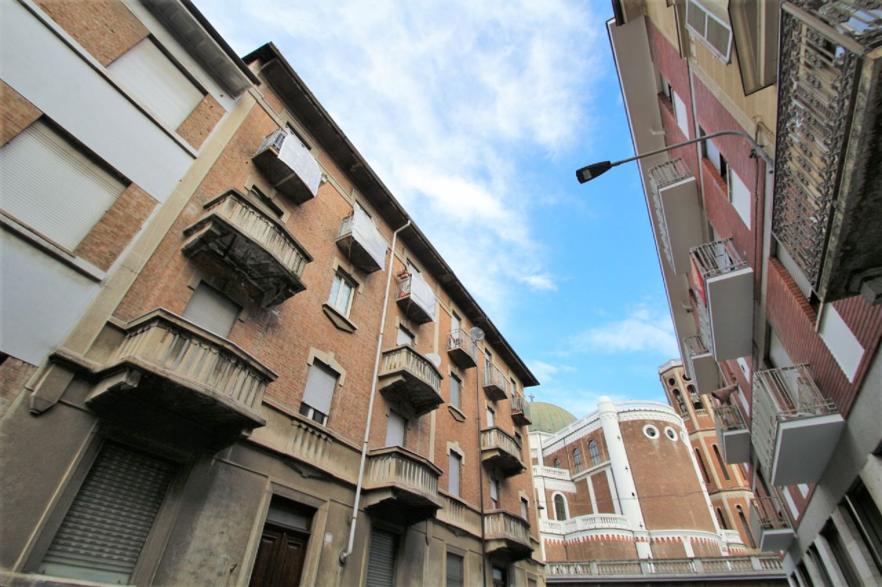 Vendita trilocale Torino Barriera Milano